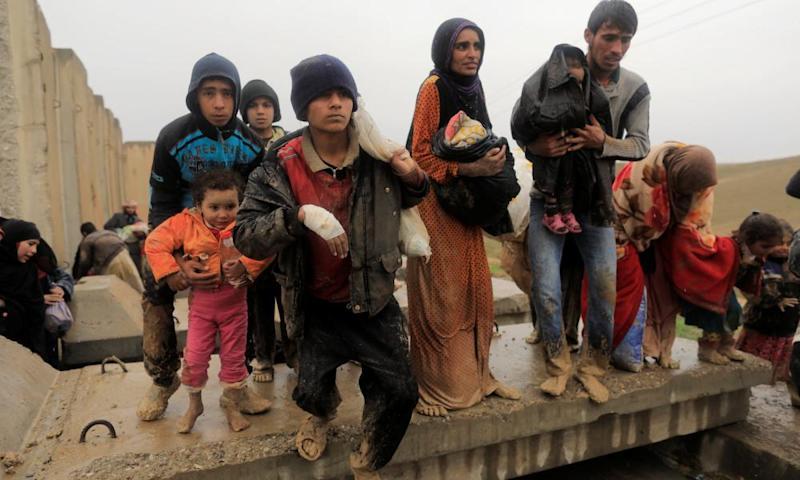 Iraqis displaced from Mosul