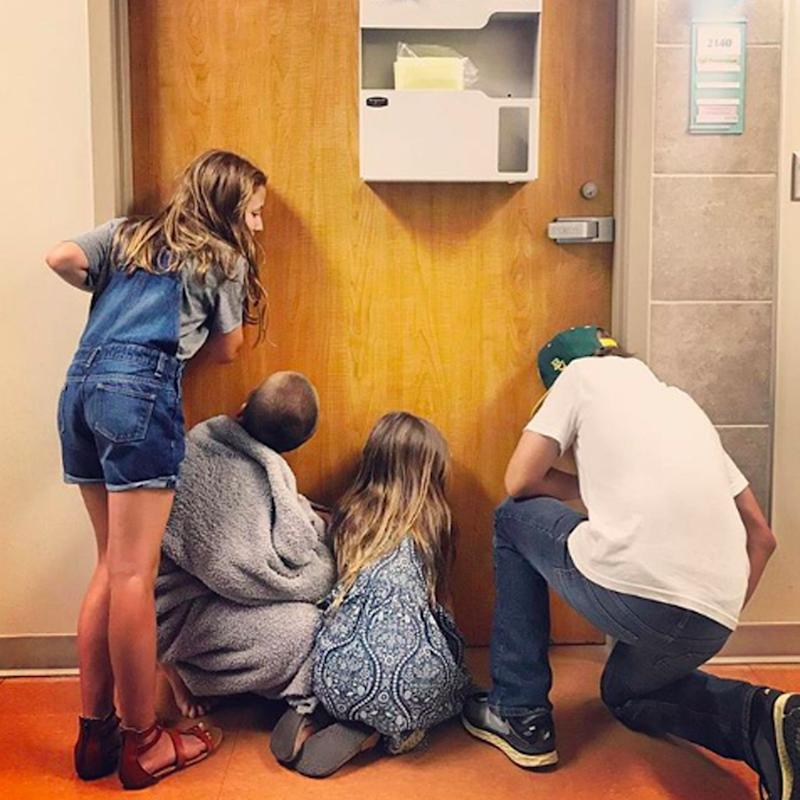 OMG, You Have to See How CUTE Chip and Joanna Gaines's Kids Were Waiting For Their Baby Brother to Be Born