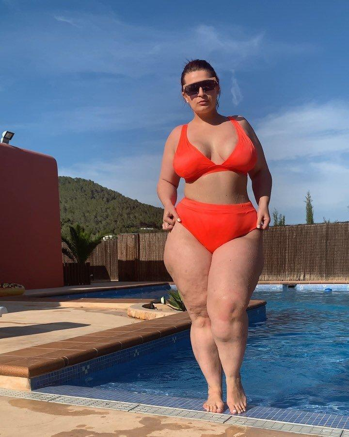 This Influencer Flaunted Her Cellulite in a Bikini to Shut Down Liposuction  Rumors