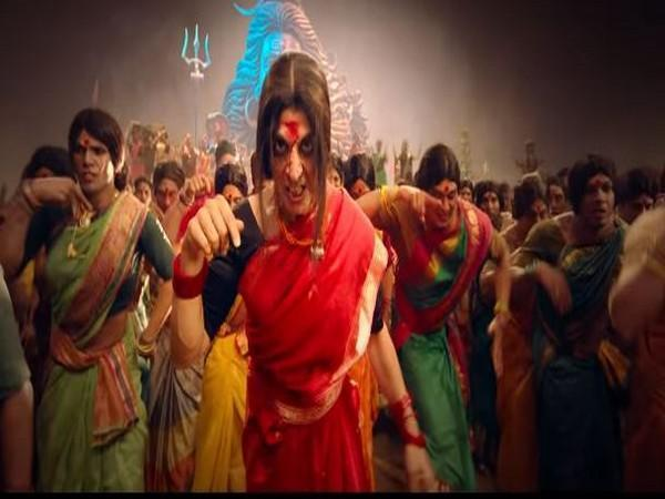 A still from 'Bham Bholle' featuring Akshay Kumar (Image courtesy: Youtube)