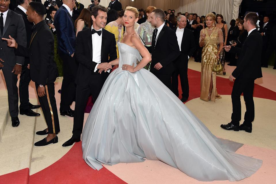 <p>Claire Danes will forever remain in the Met Gala history books for having one of the most innovative talking points of a dress. On May 2 2016, the actress played along with the theme of technology in a Zac Posen number which, wait for it, lit up in the dark.<br>Thanks to the power of 30 battery packs, the fairy tale-inspired look sparkled on the evening and we challenge you to find a more impressive dress. <em>[Photo: Getty]</em> </p>