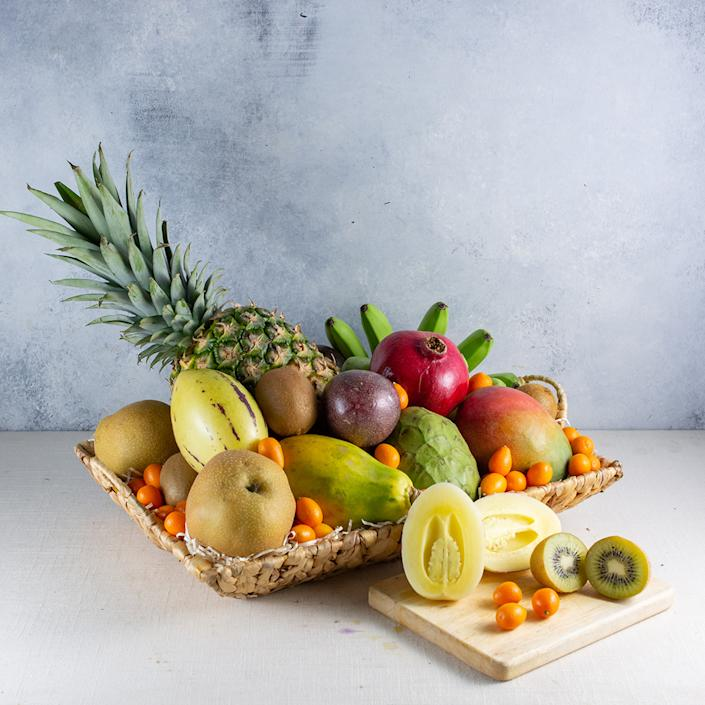 """<p><strong>Melissa's Produce</strong></p><p>goldbelly.com</p><p><strong>$109.00</strong></p><p><a href=""""https://go.redirectingat.com?id=74968X1596630&url=https%3A%2F%2Fwww.goldbelly.com%2Fmelissas-produce%2Ffabulous-fruit-fare&sref=https%3A%2F%2Fwww.townandcountrymag.com%2Fleisure%2Fdining%2Fg35617335%2Fbest-fruit-basket-delivery-services%2F"""" rel=""""nofollow noopener"""" target=""""_blank"""" data-ylk=""""slk:Shop Now"""" class=""""link rapid-noclick-resp"""">Shop Now</a></p>"""