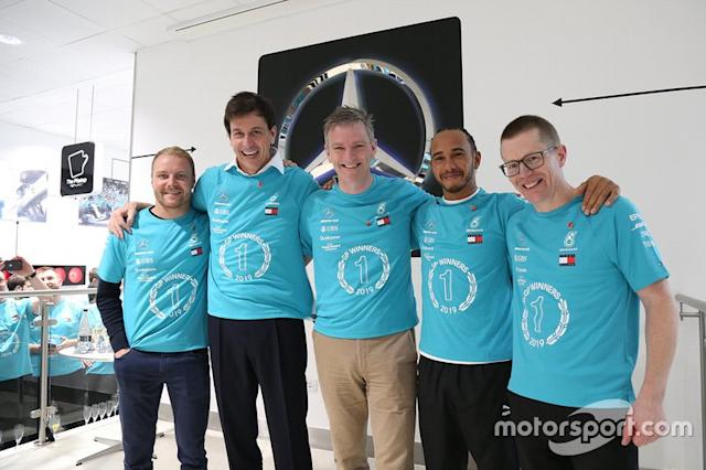 "Valtteri Bottas, Toto Wolff, James Allison, Lewis Hamilton, Andy Cowell, Mercedes AMG F1 <span class=""copyright"">Mercedes AMG</span>"