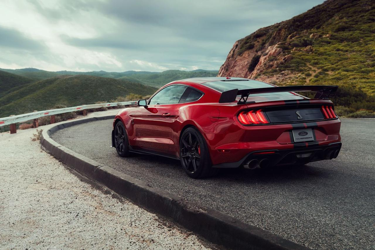 Photos of the 2020 ford mustang shelby gt500