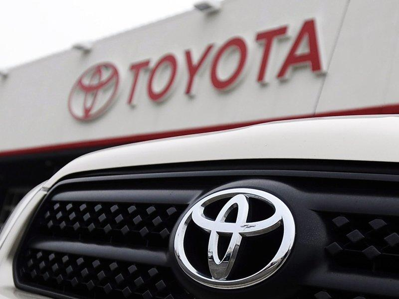 Toyota once again world's top car seller