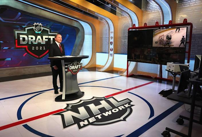 SECAUCUS, NEW JERSEY - JULY 23: NHL commissioner Gary Bettman opens the first round of the 2021 NHL Entry Draft at the NHL Network studios on July 23, 2021 in Secaucus, New Jersey. (Photo by Bruce Bennett/Getty Images)