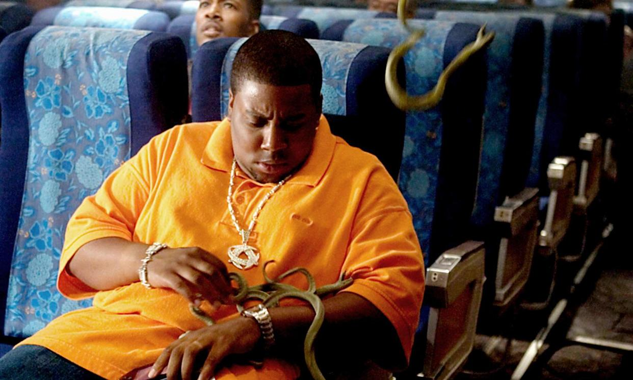 Kenan Thompson is part of the ensemble cast in Snakes on a Plane. (Photo: New Line Cinema / Courtesy: Everett Collection)