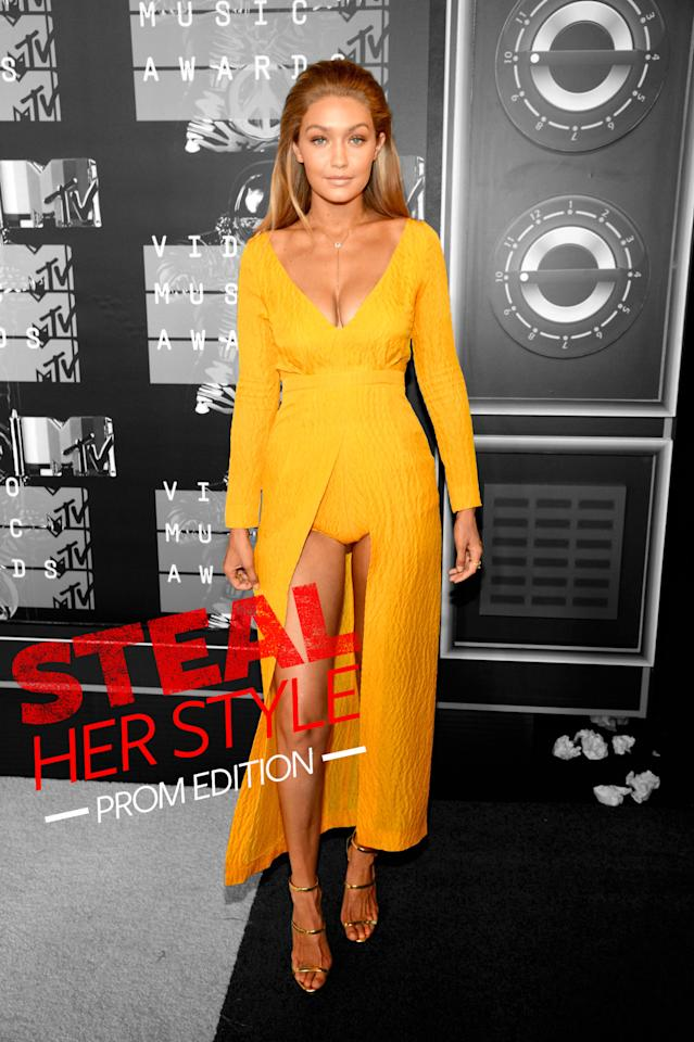 <p>The supermodel brightened up the MTV Video Music Awards red carpet in a $2,100 dress by British designer Emilia Wickstead.<i>Photo: Getty Images</i></p>