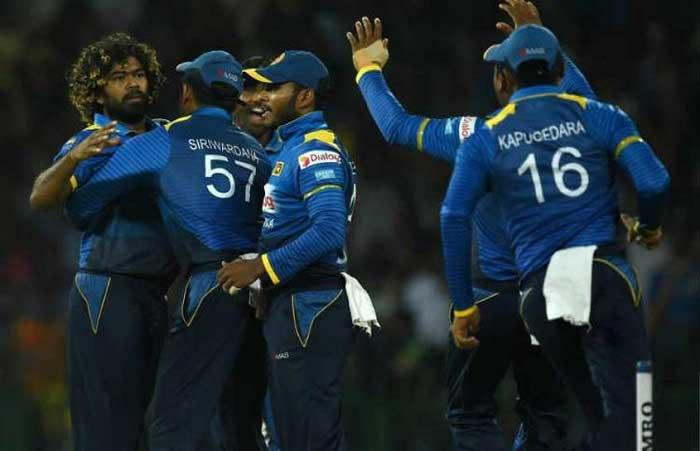 Sri Lanka team penalised for slow over rate