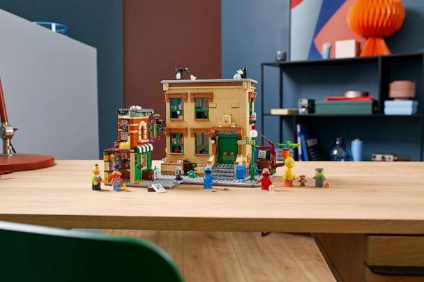PHOTO: The first-ever 'Sesame Street' set from LEGO created by Ivan Guerrero is available beginning Nov. 1. (LEGO)