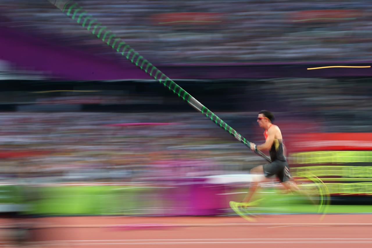 LONDON, ENGLAND - AUGUST 10:  Malte Mohr of Germany competes during the Men's Pole Vault Final on Day 14 of the London 2012 Olympic Games at Olympic Stadium on August 10, 2012 in London, England.  (Photo by Alex Livesey/Getty Images)