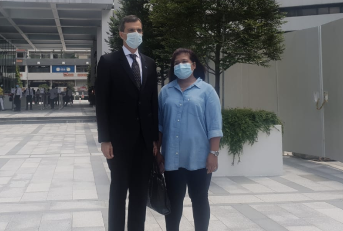 Parti Liyani (right) and her lawyer Anil Balchandani (PHOTO: Koh Wan Ting/Yahoo News Singapore)