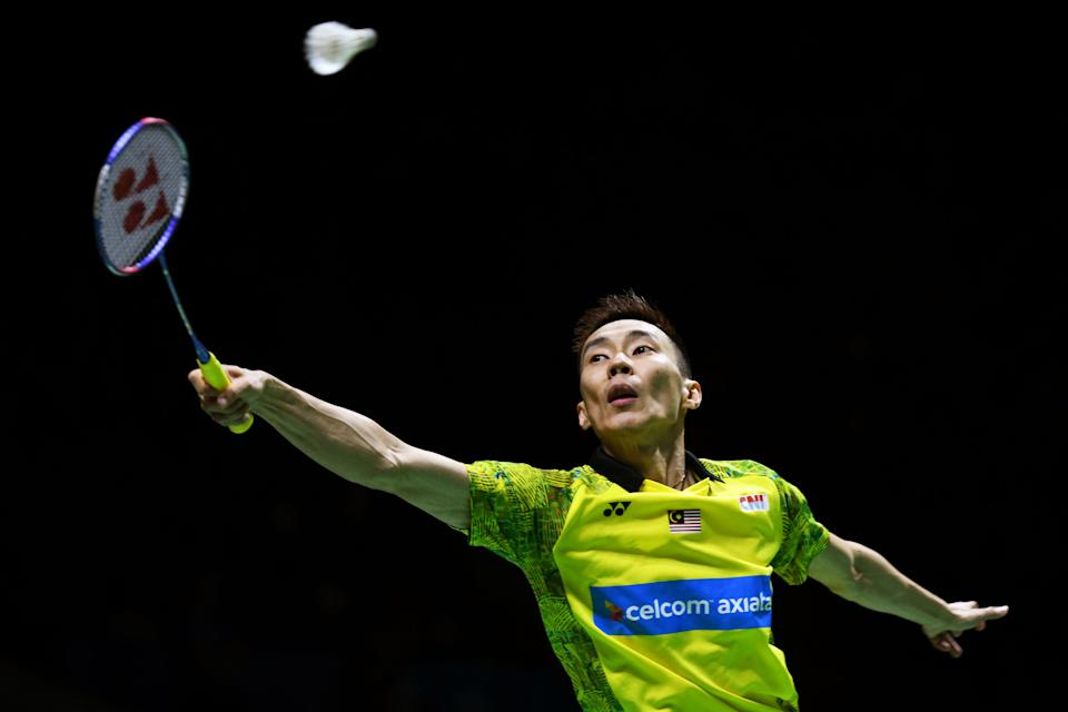 Lee Chong Wei competes against Kantaphon Wangcharoen of Thailand during the Men's Singles Quarter-final match on day four of the Blibli Indonesia Open at Istora Gelora Bung Karno on July 6, 2018. (PHOTO: Getty Images)