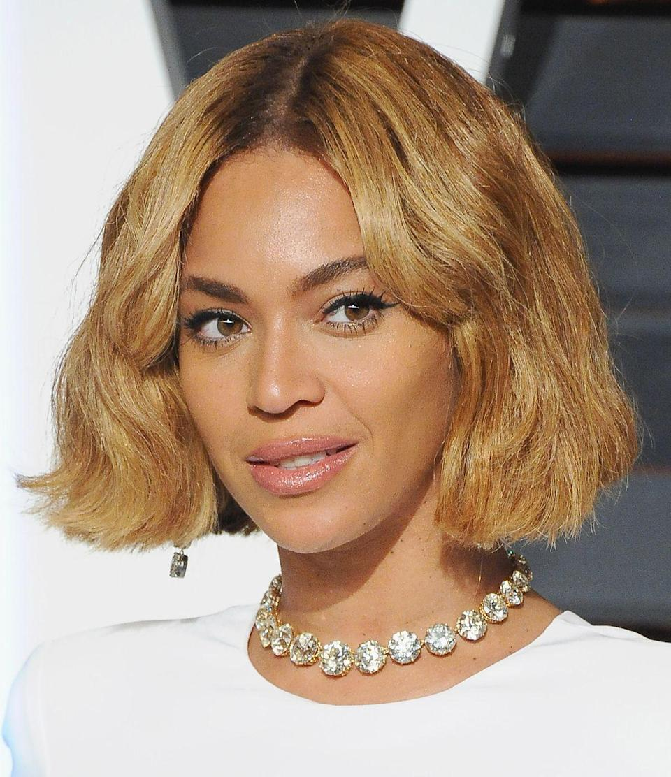 "<p>Is there anything Beyoncé can't do? The answer is ""no"" and that includes pulling off this bob. </p>"