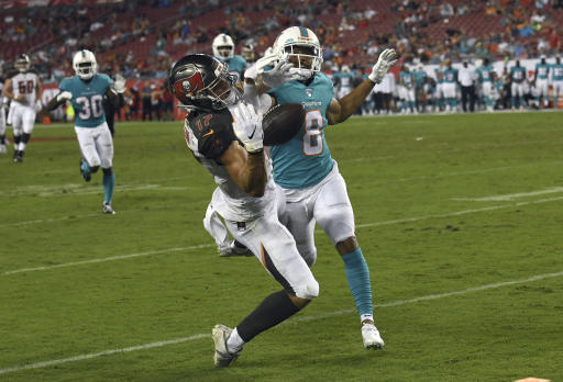 1043d5e3 Rosen gets start in Dolphins' 16-14 loss to Buccaneers