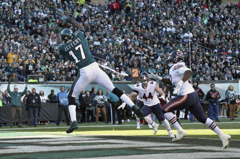 Eagles sign Alshon Jeffery to a four-year extension