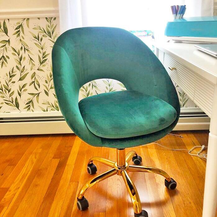 """<h2>Kelly Clarkson Home Lourdes Task Chair</h2><br>R29 readers and Wayfair reviewers alike stan this bestselling office seat. Highlights include its cute-contemporary style, extremely comfortable seat cushion, and incredibly easy assembly. <br><br><strong>4.7 out of 5 stars and 2,545 reviews</strong><br>""""I recently accepted a work from home job, so I needed a comfortable chair to work 8 hour days and I must say I am EXTREMELY SATISFIED with this. This chair has to be the most comfortable chair I ever sat in! I don't know what a cloud feels like but it feels like I am sitting on one with this haha. My mom even loves it because every chance she gets she will sit on it and she even fell asleep on it once. Worth the money!"""" <em>– Wayfair Reviewer</em><br><br><em>Shop <strong><a href=""""https://www.wayfair.com/furniture/pdp/kelly-clarkson-home-lourdes-task-chair-w003317863.html"""" rel=""""nofollow noopener"""" target=""""_blank"""" data-ylk=""""slk:Wayfair"""" class=""""link rapid-noclick-resp"""">Wayfair</a></strong></em><br><br><strong>Kelly Clarkson Home</strong> Lourdes Task Chair, $, available at <a href=""""https://go.skimresources.com/?id=30283X879131&url=https%3A%2F%2Fwww.wayfair.com%2Ffurniture%2Fpdp%2Fkelly-clarkson-home-lourdes-task-chair-w003317863.html"""" rel=""""nofollow noopener"""" target=""""_blank"""" data-ylk=""""slk:Wayfair"""" class=""""link rapid-noclick-resp"""">Wayfair</a>"""
