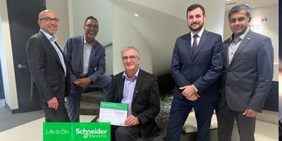 From left to right: Schneider Electric Canada VP of Industry Olivier Cousseau, Alithya SVP of Ontario and Western Canada Nigel Fonseca, Alithya VP of Energy Engineering Ed Mischkot, Schneider Electric Canada National System Integrators Manager Adrien Lemaire, Alithya Manager of Energy Business Development Jyoti Bose. (CNW Group/Schneider Electric Canada Inc.)