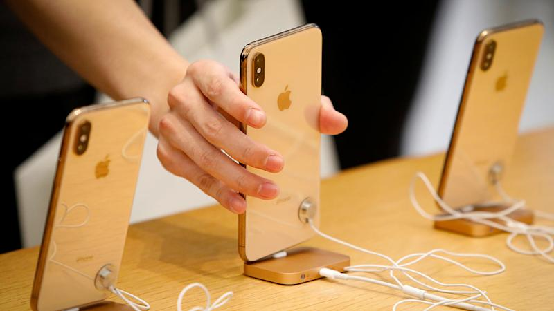 Apple iPhone sales drop in China by 20% in Q4 2018, Huawei's sales up by 23%