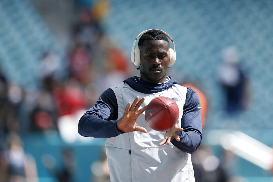 MIAMI, FLORIDA - SEPTEMBER 15: Wide Receiver Antonio Brown #17 of the New England Patriots warms up prior to the game against the Miami Dolphins at Hard Rock Stadium on September 15, 2019 in Miami, Florida. (Photo by Michael Reaves/Getty Images)