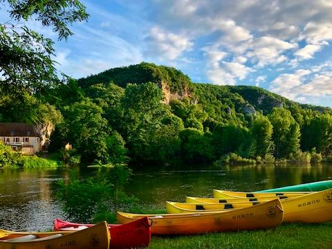 You'll see canoeing on the Dordogne - Credit: GETTY
