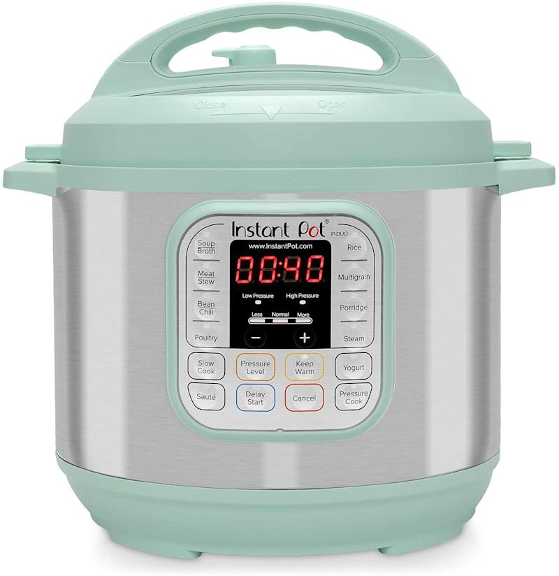 Instant Pot Duo 60 Teal. Image via Amazon.