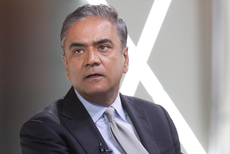 """(Bloomberg) -- For over a decade, one of the biggest financial scandals in German history has been snaking its way through Deutsche Bank AG.Now, it's approaching the highest levels of the German lender, with three key figures -- investment banking chief Garth Ritchie, former co-Chief Executive Officer Anshu Jain and his predecessor Josef Ackermann -- among 80 suspects linked to the bank and being probed by prosecutors in the so-called Cum-Ex affair, according to people familiar with the matter. For CEO Christian Sewing, who's trying to turn the tide at Germany's biggest bank after years of painful missteps, the escalation couldn't come at a more precarious time.Deutsche Bank is just one of many firms tied to the scandal, and the company maintains it didn't act as a buyer or seller in the Cum-Ex deals. But the German lender profited from servicing customers that specialized in such transactions, according to people familiar with a German criminal investigation and an internal review seen by Bloomberg.The finance giant had Cum-Ex clients who were loaned as much as 1 billion euros ($1.1 billion). During the height of the activity from 2008 to 2011, the bank took on clients who did nothing but such deals. A German probe found that Deutsche Bank even had a profit-sharing agreement with one firm that specialized in the transactions, according to people familiar with the findings. Among key figures involved in Cum-Ex work at Deutsche Bank, the people said, were Simon Pearson and Joe Penna, former managers who left the bank in 2009.Deutsche Bank said that it never """"participated in an organized Cum-Ex market, neither as a short seller nor as a Cum-Ex buyer."""" It acknowledges that """"as a major participant in the capital markets, Deutsche Bank was involved in Cum-Ex transactions of its clients"""" and said it is cooperating with the authorities.""""I was not personally involved in any Cum-Ex activity, and I am very confident that the investigation will show no personal wrongdoing by m"""
