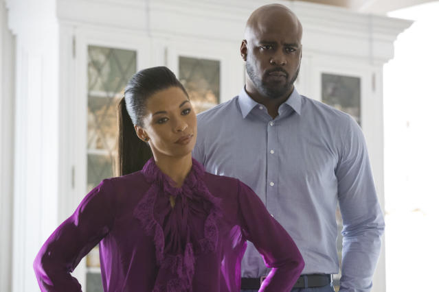 Angel Parker and Ryan Sands as the Wilders. (Photo: Paul Sarkis/Hulu)