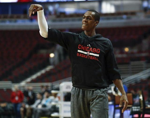 "<a class=""link rapid-noclick-resp"" href=""/nba/players/4149/"" data-ylk=""slk:Rajon Rondo"">Rajon Rondo</a> makes a rare on-court appearance. (AP)"