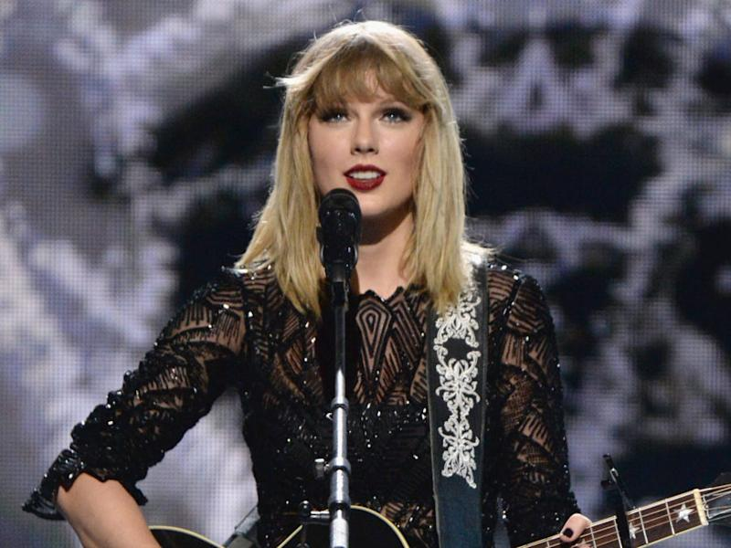 These Taylor Swift lyrics reportedly made her parents leave the room