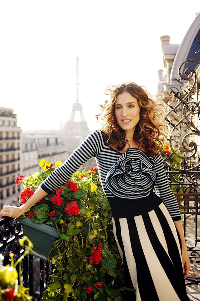 3. For her monumental move to Paris in Season 6, Carrie decided to don this classic, striped ensemble, courtesy of Parisian knitwear mastermind Sonia Rykiel. C'est tres chic!