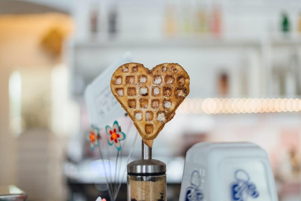 """<p> How enticing does this waffle look? </p> <p><a href=""""http://media1.popsugar-assets.com/files/2021/01/04/988/n/1922507/b44044e3bb28dcd5_roman-kraft-dRgf7doee-o-unsplash/i/valentine-day-zoom-backgrounds.jpg"""" class=""""link rapid-noclick-resp"""" rel=""""nofollow noopener"""" target=""""_blank"""" data-ylk=""""slk:Download this Zoom background image here."""">Download this Zoom background image here. </a></p>"""