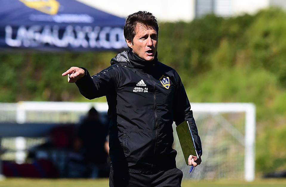 Guillermo Barros Schelotto, head coach of the LA Galaxy of the MLS, gestures while giving instructions to his players on February 22, 2019 in Carson, California during a team training session. - From Buenos Aires to Los Angeles, without stops. From Boca to Galaxy, without safety net. Losing the final of the Libertadores against his archrival River to try to resurrect the most honored franchise in MLS history, Guillermo Barros Schelotto has never been afraid of the challenges. (Photo by Frederic J. BROWN / AFP)        (Photo credit should read FREDERIC J. BROWN/AFP/Getty Images)