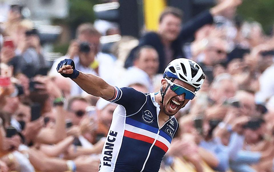 Julian Alaphilippe - UCI Road World Championships 2021: Julian Alaphilippe retains title after devastating late attack - AFP
