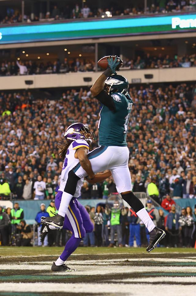 <p>Alshon Jeffery #17 of the Philadelphia Eagles scores a fourth quarter touchdown reception against the Minnesota Vikings in the NFC Championship game at Lincoln Financial Field on January 21, 2018 in Philadelphia, Pennsylvania. (Photo by Mitchell Leff/Getty Images) </p>