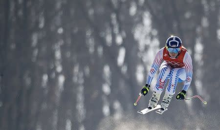 Lindsey Vonn's opener, super-G, delayed because of wind