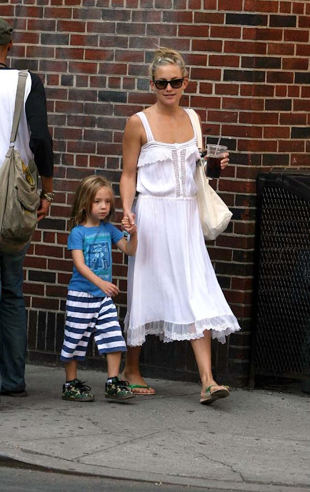 """Kate Hudson and Lance Armstrong announced their split last week. The actress -- whose dating habits rival John Mayer's -- reportedly rebounded with Chris Robinson, her ex-husband and father of her son Ryder. <a href=""""http://www.infdaily.com"""" target=""""new"""">INFDaily.com</a> - August 1, 2008"""