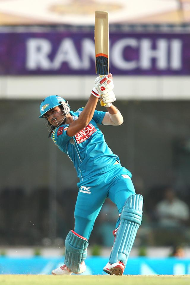 Manish Pandey of Pune Warriors India hits over the top during match 65 of the Pepsi Indian Premier League between The Kolkata Knight Riders and the Pune Warriors India held at the JSCA International Stadium Complex, Ranchi, India on the 15th May 2013..Photo by Shaun Roy-IPL-SPORTZPICS    ..Use of this image is subject to the terms and conditions as outlined by the BCCI. These terms can be found by following this link:..https://ec.yimg.com/ec?url=http%3a%2f%2fwww.sportzpics.co.za%2fimage%2fI0000SoRagM2cIEc&t=1503075064&sig=Go_VjQnE8dblabOPF2DBFw--~D