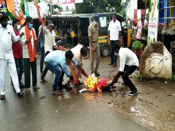 An effigy of Andhra Pradesh Civil Supplies minister Kodali Sri Venkateshwara Rao was burned by BJP workers in the state.