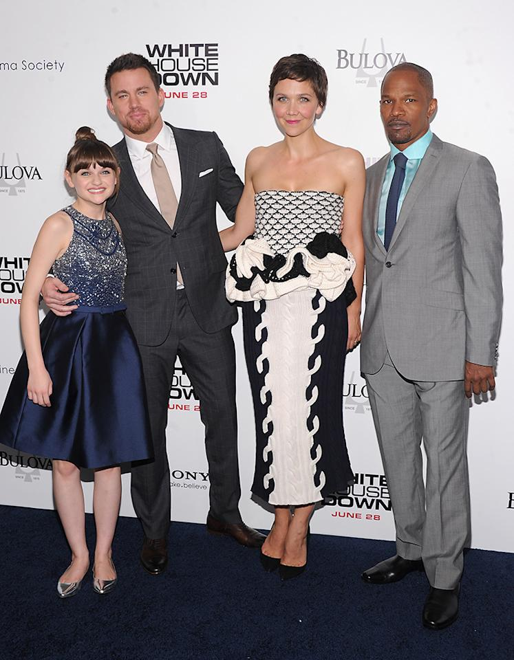 "NEW YORK, NY - JUNE 25: (L-R) Joey King, Channing Tatum, Maggie Gyllenhaal and Jamie Foxx attend ""White House Down"" New York Premiere at Ziegfeld Theater on June 25, 2013 in New York City.  (Photo by Jamie McCarthy/Getty Images)"