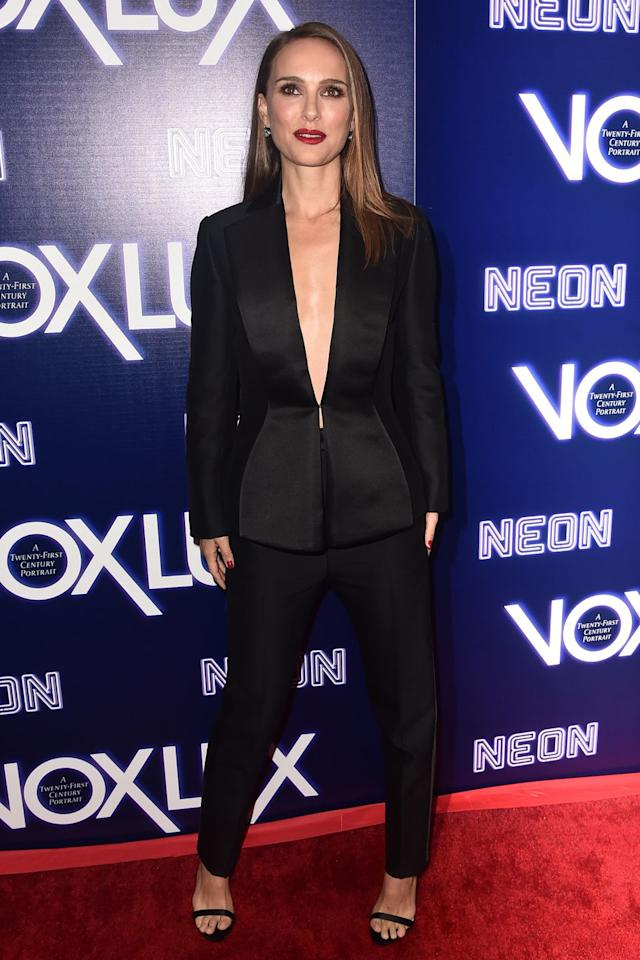 <p><strong>5 December </strong>Natalie Portman in a Dior suit and Beldora earrings for the Hollywood premiere of <em>Vox Lux</em>.<strong></strong></p>