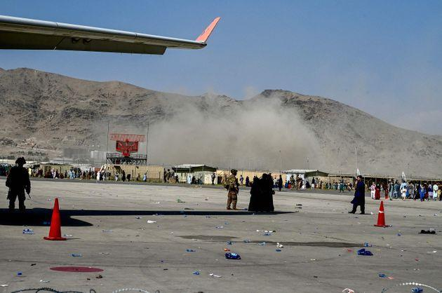 One of many images being circulated on the internet of Kabul airport (Photo: WAKIL KOHSAR via AFP via Getty Images)
