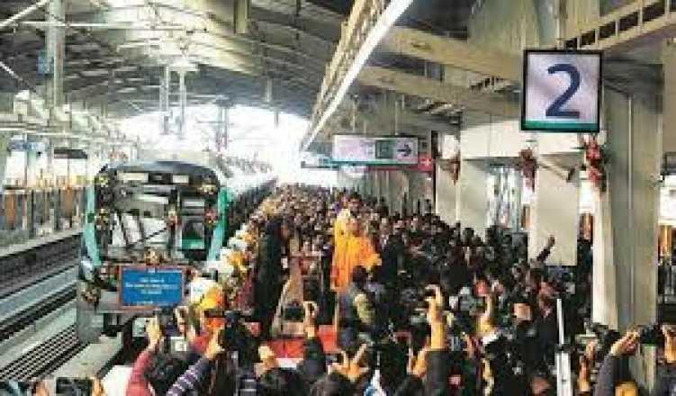 Over 20,000 passengers for first time on Noida Metro in a day