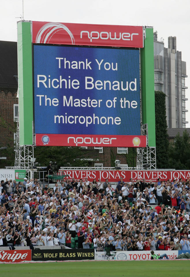 LONDON - SEPTEMBER 12: The crowd applaud commentator Richie Benaud as he covers his last match on English soil during day five of the Fifth npower Ashes Test match between England and Australia at the Brit Oval on September 12, 2005 in London, England.  (Photo by Tom Shaw/Getty Images)