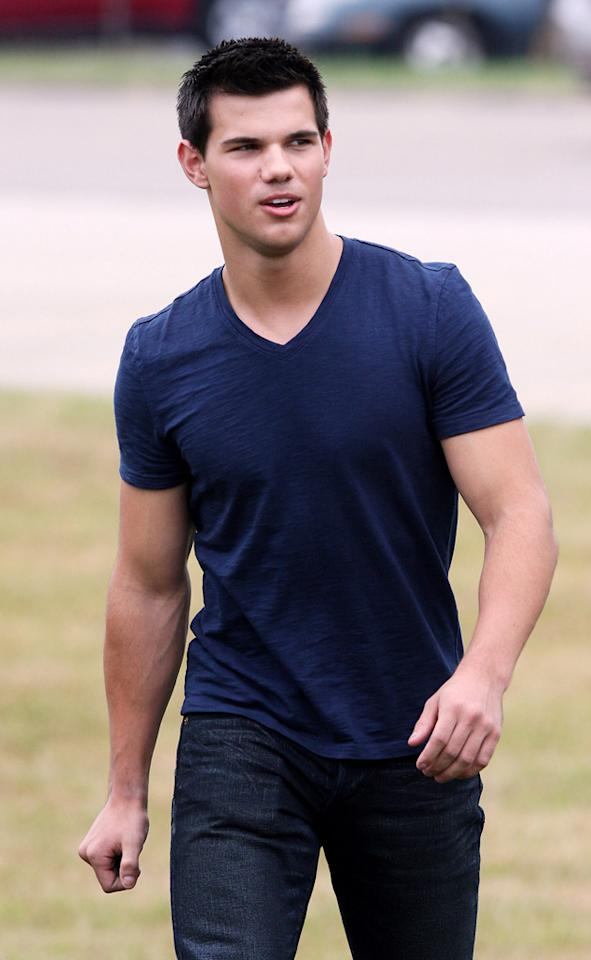 """<a href=""""http://www.gossipcop.com/taylor-lautner-dating-lily-collins-abduction-abs-shirtless/ """" target=""""new"""">Gossip Cop</a> has inside info about Taylor Lautner muscling his way into the heart of his """"Abduction"""" co-star, Lily Collin. The report about them dating is """"ab""""-solutely ... <a href=""""http://www.pacificcoastnews.com/"""" target=""""new"""">PacificCoastNews.com</a> - July 12, 2010"""