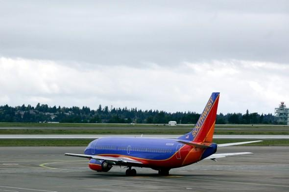 Bird strike leaves hole in wing of Southwest Airlines plane