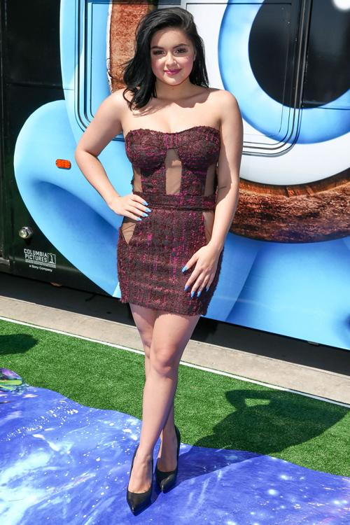 Ariel Winter s sheer corset dress is a burlesque vintage dream come true 932bf2f7a