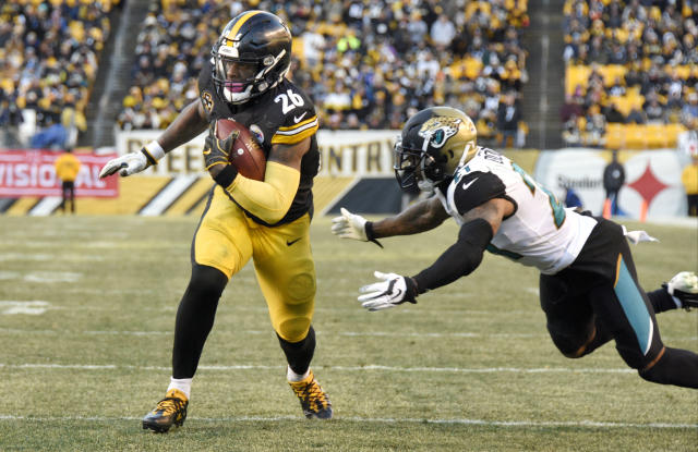 Pittsburgh Steelers running back Le'Veon Bell will get the franchise tag for a second straight year. (AP)