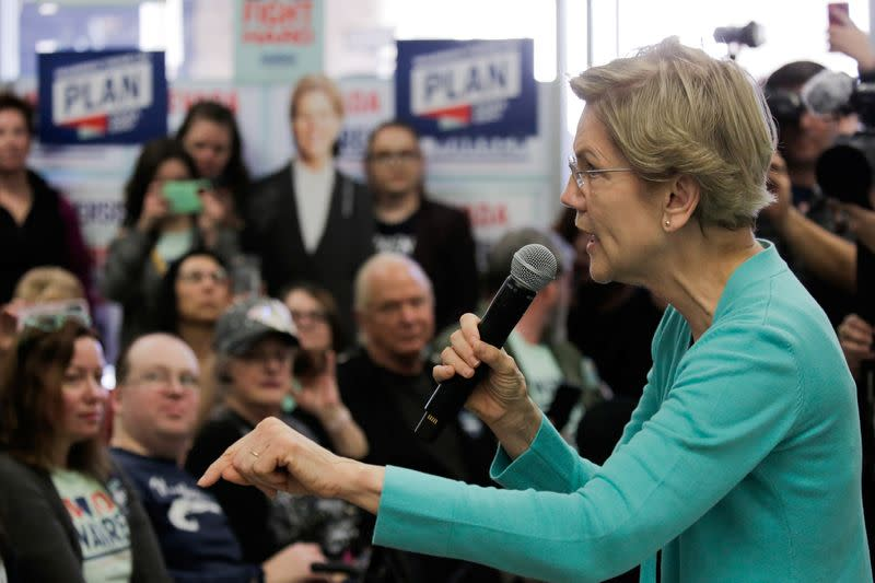 """U.S. Democratic presidential candidate Senator Elizabeth Warren holds a """"Canvass Kickoff"""" event at her campaign field office in North Las Vegas"""