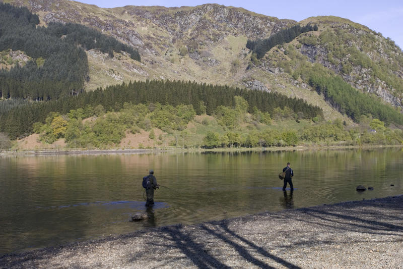 Fishermen at Loch Lubnaig, Queen Elizabeth National Park, Trossachs, Scotland. (Photo by: MyLoupe/Universal Images Group via Getty Images)